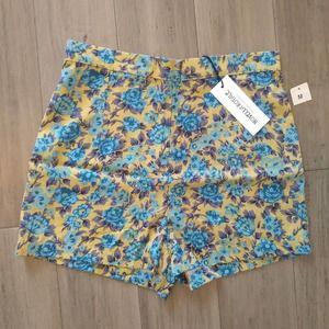 Novella Royale floral high waisted shorts